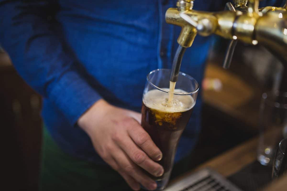 La formation au permis d'exploitation : Incontournable pour tous les futurs exploitants de boissons