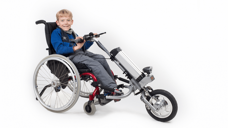 Offrir plus de liberté à son enfant à mobilité réduite