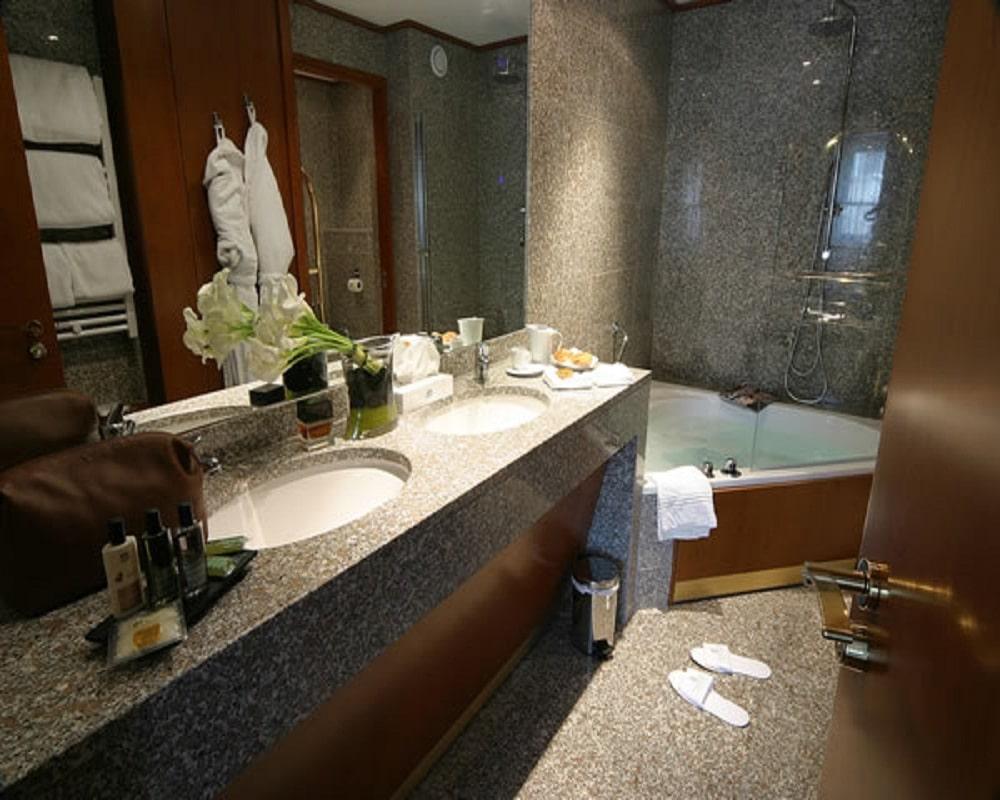 des astuces pour r nover votre salle de bain prix ad quate. Black Bedroom Furniture Sets. Home Design Ideas