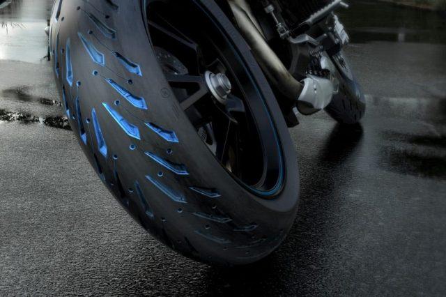 Quel pneu pour s1000xr?