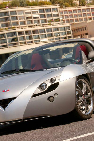 Automobile électrique : Toyota met les bouchées doubles