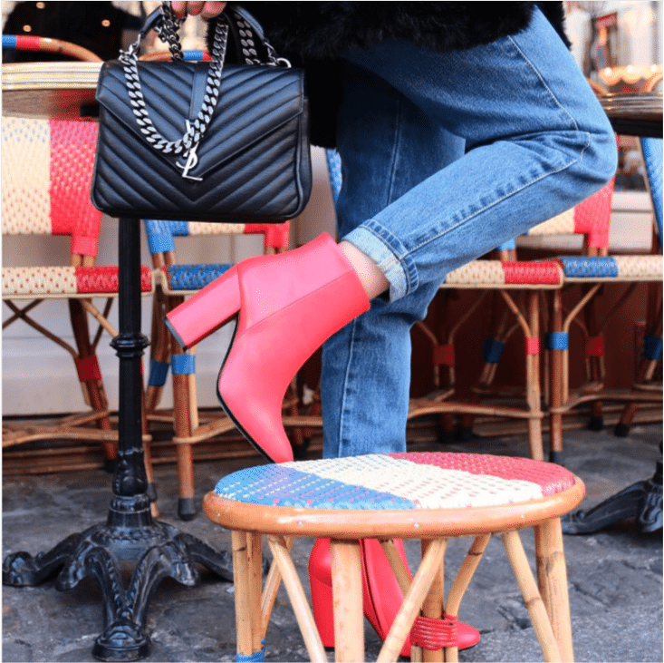 Un look, une paire de chaussures