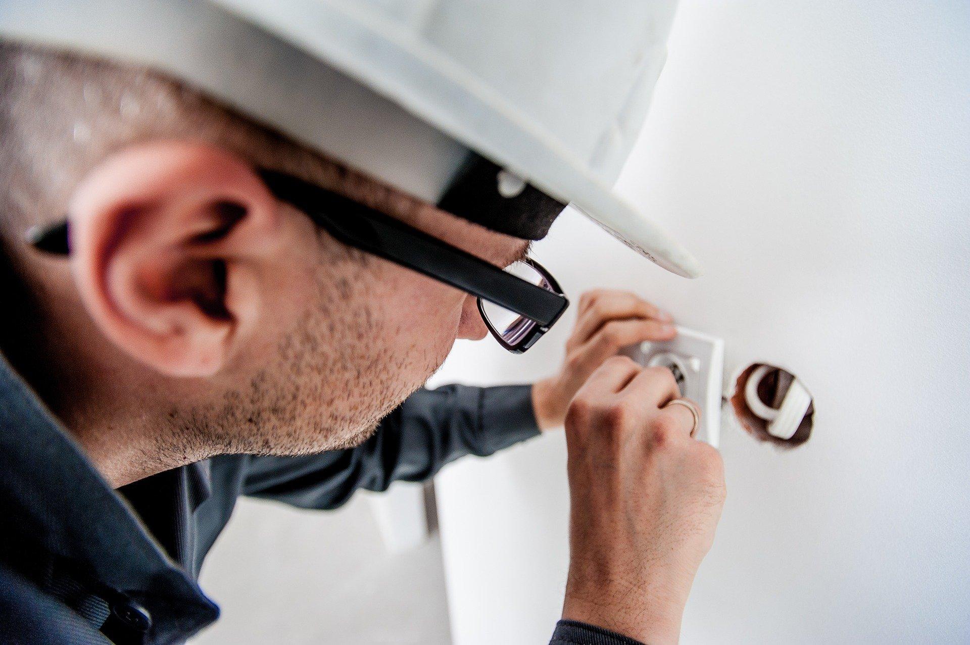 Comment mettre aux normes l'électricité?