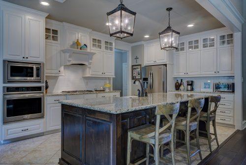 Quelle couleur de peinture pour une cuisine en bois clair ?