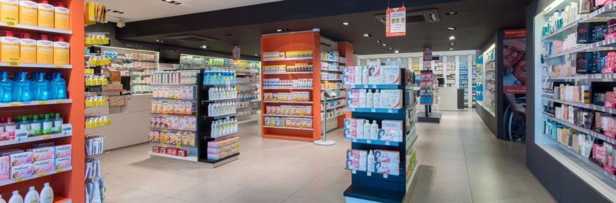 Fonctionnels sans renoncer à l'esthétique : voici le mobilier et l'ameublement technique des pharmacies