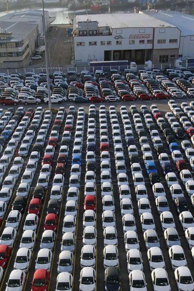 USA : le report des taxes sur les autos importées